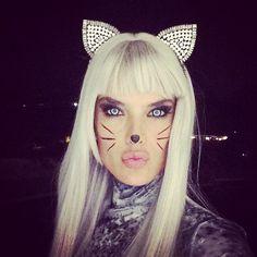 Los famosos comienzan a disfrutar de Halloween. Alenssadra Ambrosio lo ha dejado patente en las redes sociales.