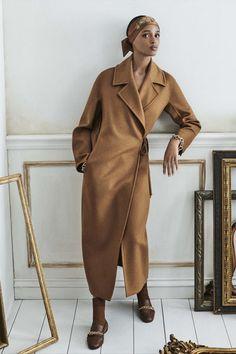 Fashion News, Fashion Show, Fashion Trends, Street Fashion, Daily Fashion, Fashion Outfits, Max Mara Coat, Winter Mode, Outfits