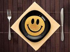http://www.cafeglobe.com/2014/04/037684pancake_smile.html smile