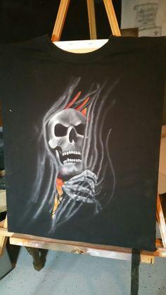Airbrushed skull t-shirt