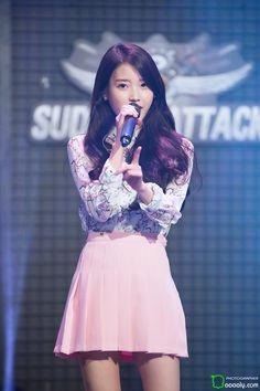 World's Cutest Girl, Talent Agency, Korean Music, Korean Celebrities, Korean Singer, Cute Girls, Kdrama, Skater Skirt, Actresses