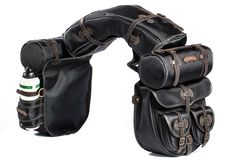 Saddlebag set in Cordura, used for horse trekking and long rides. Designed and produced by Comancheros in Italy Horse Gear, Horse Tack, Leather Working Patterns, Old School Chopper, Cafe Racer Honda, Cowboy Gear, Harley Softail, Harley Bikes, Bike Style