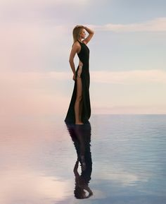 Jennifer Aniston Takes Flight - HarpersBAZAAR.com