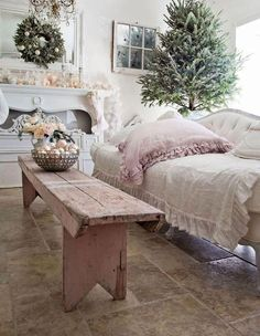 Lovely French Country Living Room Table To Rock Your Next Home Muebles Shabby Chic, Shabby Chic Sofa, Shabby Chic Kitchen, Shabby Chic Homes, Shabby Chic Furniture, Shabby Chic Decor, Kitchen Decor, Shabby Chic Christmas Decorations, French Country Living Room