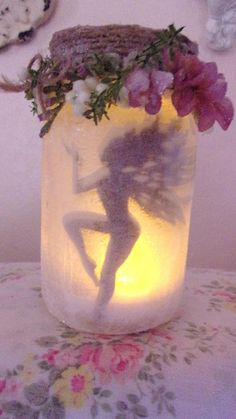 Willow Bloome Enchanting Dancing Fairy in a Jar, The Original Fairy Dust Shabby Fairy Cottage Night Light. This is so pretty Cute Crafts, Diy And Crafts, Arts And Crafts, Mason Jar Crafts, Bottle Crafts, Mason Jars, Craft Projects, Projects To Try, Fairy Silhouette