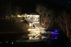 Lake of the Ozarks - 500$/night - sleeps 16+ - Casually Modern Lake House