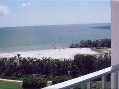 Cleanest, Cutest and Most Convenient Condo on Fort Myers Beach