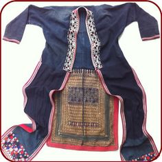 RETRO KIEM MIEN RED YAO TRADITION TUNIC EMBOIDERED #mien #tunic #vietnam Hmong Clothing, Costume Ethnique, Thai Style, Group Costumes, Embroidered Tunic, Tribal Fashion, Vogue Fashion, Summer Wardrobe, Traditional Dresses