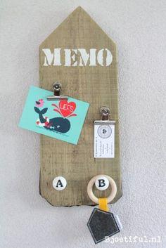 Ik heb iets leuks ontdekt! Memobord Steigerhout Alphabet bij Bjoetiful in stad.nl. Echt de moeite waard.