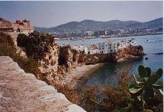 Espigón en la ciudad de Eivissa, Islas Baleares.