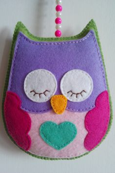 Day or night felt owl Handmade Felt Crafts Diy, Owl Crafts, Craft Gifts, Fabric Crafts, Sewing Crafts, Felt Owls, Felt Birds, Fabric Birds, Felt Fabric