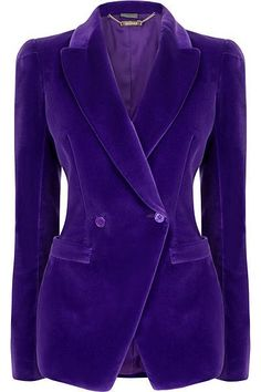 I have several velvet blazers and wear a lot of purple/violet, so this is pretty much an ideal combination! I have several velvet blazers and wear a lot of purple/violet, so this is pretty much an ideal combination! Lila Outfits, Purple Outfits, Velvet Blazer, Velvet Jacket, Purple Fashion, Look Fashion, Korean Fashion, Fashion Mask, 80s Fashion
