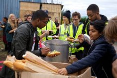 How to serve food to a refugee