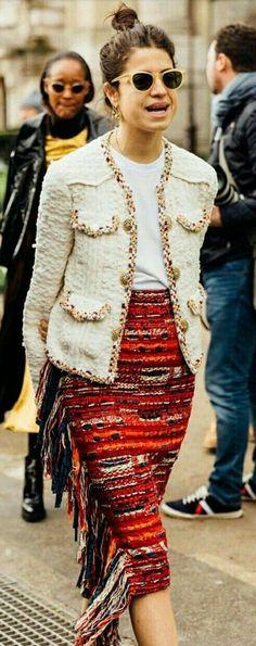 Paris Fashion Week 2017 leandra in chanel Stockholm Street Style, Chanel Street Style, Chanel Style Jacket, Parisian Style, London Fashion Weeks, Paris Fashion, Leandra Medine, Vanessa Jackman, Tommy Ton