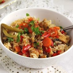 Pilaf cu legume vegan vegetable pilaf a quick delicious and comforting dish for any time of the year. Scottish Recipes, Turkish Recipes, Ethnic Recipes, Squash Vegetable, Vegetable Rice, Cooking Recipes, Vegetarian Recipes, Healthy Recipes, Healthy Food