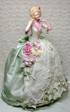 """Милые сердцу штучки: """"Я приглашаю Вас на бал... или винтажные куклы-игольницы"""""""