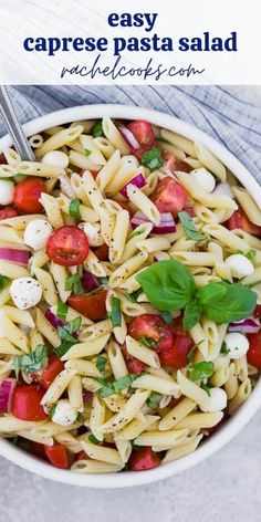 The traditional flavors of caprese, fresh mozzarella, basil, and tomato, are wonderfully represented in caprese pasta salad. Perfect for picnics, or a light summer dinner. Caprese Pasta Salad, Summer Pasta Salad, Pasta Salad Recipes, Healthy Salad Recipes, Caprese Chicken, Lunch Recipes, Light Summer Dinners, Make Ahead Salads, Fresh Mozzarella
