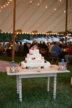 fruit wedding cake | Jen Fariello #wedding