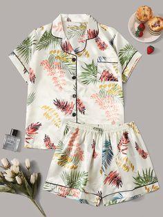 Source by bughsmi Pajama Outfits, Lazy Outfits, Casual Outfits, Cute Outfits, Cute Sleepwear, Sleepwear Women, Pajamas Women, Loungewear, Satin Pyjama Set