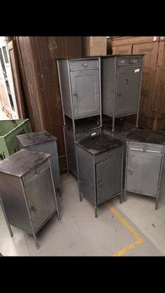 Industriele leger kastjes / industrieel nachtkastje leger bij Oldwood 49,-
