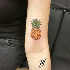 Vibrant pineapple by Marjorianne