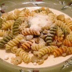 Lima Bean Pasta - I grew up loving lima beans, but have never been able to make them like my Mom. This isn't the same as hers, but it's very tasty. We actually made it without the pasta. Best Pasta Dishes, Food Dishes, Main Dishes, Lunch Recipes, Pasta Recipes, Meatless Recipes, Complete Recipe, Original Recipe, Lima