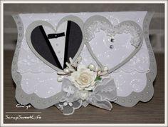 Coucou !! Je viens vers vous aujourd'hui pour vous présenter mes deux petites cartes réalisées à l'occasion d'un mariage. Deux styles très différents, Bonne semaine et merci de vos gentils commentaires.