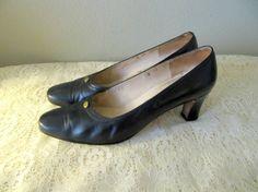 vintage black Salvatore Ferragamo italian leather pumps by mellowrabbit, $32.00