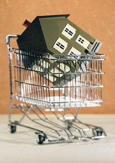Everyone needs cash buyers for their real estate investing business. Here's a tip for finding them in unexpected places. Home Buying Tips, Buying A New Home, Foreclosed Properties, Foreclosure Listings, We Buy Houses, Home Inspection, Real Estate Tips, First Time Home Buyers, Property Management