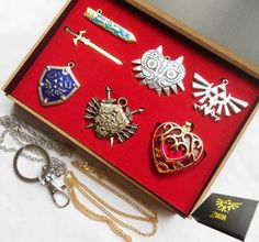 6pcs Legend of Zelda Link Shield Links Necklace Pendant keychain +Chain Gift box