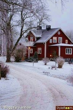 Beautiful Homes, Beautiful Places, House Beautiful, Peaceful Places, This Old House, Red Houses, Farm Houses, Winter Scenery, Farm Life