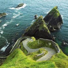 Best Travel & Vacation Deals - Ireland Escorted and Independent - Brendan Vacations Best Of Ireland, West Coast Of Ireland, Ireland Uk, Ireland Travel, Northern Ireland, Ireland Vacation, Tourism Ireland, Cork Ireland, Nature