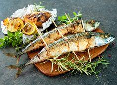 Скумбрия на гриле с лимоном   Ссылка на рецепт - https://recase.org/skumbriya-na-grile-s-limonom/  #Рыба #блюдо #кухня #пища #рецепты #кулинария #еда #блюда #food #cook