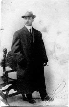 Al Capone -- about 16 or 17 years old -- before he got the scar on his face.