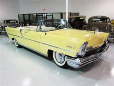 1957 LINCOLN PREMIERE CONVERTIBLE sold $42,000