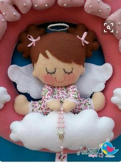 Moldes para hacer angelitos de fieltro - Dale Detalles Tiny Dolls, Cute Dolls, Felt Fabric, Fabric Dolls, Felt Crafts, Diy And Crafts, Sewing Projects, Projects To Try, Felt Angel