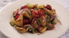 Rachel Allens take on this Lebanese bread salad combines the fresh flavours of lemon and cucumber with sumac, an exotic Middle Eastern spice Salad Recipes, Drink Recipes, Vegetarian Recipes, Cooking Recipes, Vegetarian Dish, Savoury Recipes, Lebanese Salad, Rachel Allen