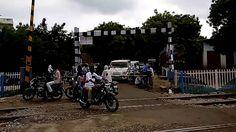 Pakari Railway Crossing bhadohi