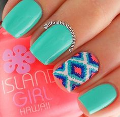 Love this Aztec design! So cute, and still so bright! (Since it's still summer! ❁ when I get my nails done maybe I'll get this!