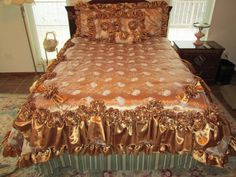 Irish Rose Queen Comforter by UnderTheCoversQuilts on Etsy