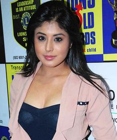 Best Bahu at present . Choose wisely - Dsocialdoctor's awards - Page 2 Comedy Circus, Kritika Kamra, Beautiful Places To Live, Choose Wisely, Popular Shows, Jennifer Winget, Indian Celebrities, Indian Girls, Ladies Day