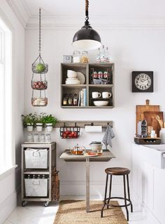 Genius Small-Kitchen Decorating Ideas Kitchen Decor How you display your small kitchen can really help you feel like you are living in a larger space. It doesn't take a lot of money to create some great. Wooden Kitchen, Rustic Kitchen, Diy Kitchen, Kitchen Decor, Kitchen Design, Kitchen Small, Kitchen Ideas, Kitchen Tips, Small Apartment Decorating