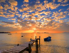 Amazing sunset at Lung Kwu Tan, Hong Kong by kenny Lau on 500px