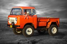 Jeep builds 7 new concept vehicles for the annual Jeep Safari. These Jeep Safari concepts pay homage to the past with modern designs and features. Auto Jeep, Jeep 4x4, Jeep Truck, Pickup Trucks, Jeep Pickup, Moab Jeep, Jeep Garage, Chevy Trucks, Jeep Concept