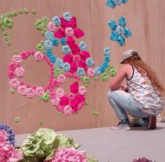 Mademoiselle Maurice en pleine action #mademoisellemaurice Thierry Noir, Mademoiselle Maurice, Thom Thom, Origami Artist, French Street, Street Artists, Urban Art, Art Museum, Graffiti