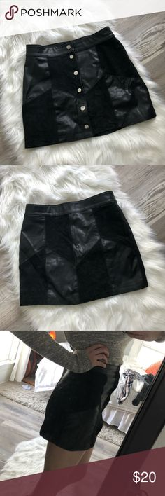 Mini skirt Black leather/suede button up mini skirt. Third picture to show length. Pair with tights for a more modest look! Love the pattern on this piece. Make an offer 💞 Skirts Mini Black Denim Shorts, Black Jeans, Button Up, Third, Tights, Mini Skirts, Black Leather, Best Deals, Pattern