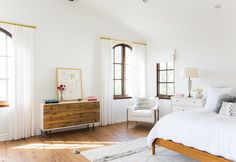 Lauren Conrad's Pacific Palisades Home is Even More Beautiful Than You Think It Is – Arsenic & Old Place