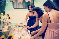 Candy bar con @lamejorinvitada, caravana Vintage Valentina para bodas y eventos en Ibiza, candy bar, photocall...