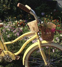 Spring Aesthetic, Nature Aesthetic, Aesthetic Green, Aesthetic Pastel, Aesthetic Themes, Aesthetic Vintage, Fotografia Retro, Kombi Hippie, Flower Yellow
