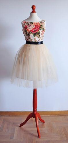 sukienka z tiulem - Szyjemy Sukienki